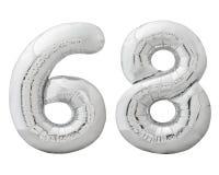 Silver nummer 68 sextioåtta gjorde av den isolerade uppblåsbara ballongen på vit Royaltyfri Foto