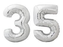 Silver nummer 35 trettiofem gjorde av den isolerade uppblåsbara ballongen på vit Royaltyfria Bilder