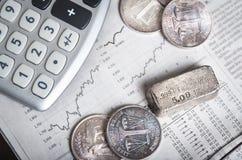 Silver- och aktiemarknaddiagram Arkivbild