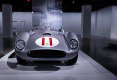 Silver och röda Ferrari 1957 625/250 Testa Rossa Arkivbild