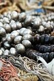 Silver och svarta pärlor Arkivbild