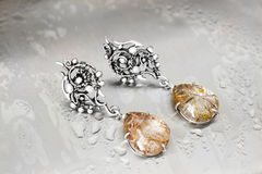 Silverdroppörhängen med rutilen quartz-1 Royaltyfri Fotografi