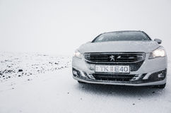 Silvergrå färger Peugeot 508 strömbrytare Royaltyfri Foto