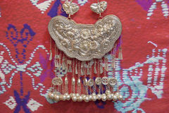 Silverhalsband av Miao Nationality, Kina royaltyfri fotografi
