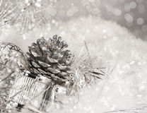 Silverjul Pinecone Arkivbild