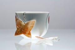 Silverjuvlar med färgrika ädelstenar Royaltyfria Foton