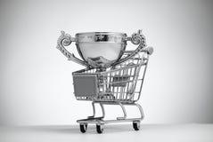 Silverkopp i matvagn fotografering för bildbyråer