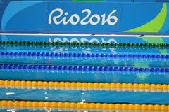 Silvermedaljör Jazmin Carlin av Storbritannien under medaljceremoni efter kvinnornas konkurrensen för 800m fristil Royaltyfria Bilder