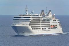 Silversea游览线路海上的银谬斯四分之三视图 库存图片