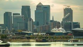 Silversea豪华巡航在金丝雀码头,定期流逝通过 影视素材
