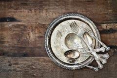 Античные Silverware и плита Стоковые Фотографии RF