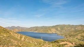 Silverwood sjön förbiser, kanten av den sceniska bywayen för världen, CA Royaltyfria Foton