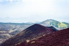 Silvestri kratery góra Etna, aktywny wulkan na wschodnim wybrzeżu Sicily, Włochy fotografia stock