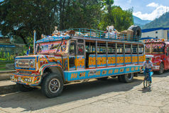 SILVIA, POPAYAN, шина КОЛУМБИИ - Chiva, символ Колумбии Стоковые Изображения RF