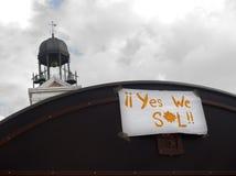 Sim nós sinal do solenóide (sol) afixado no quadrado de Sun (pl Fotografia de Stock