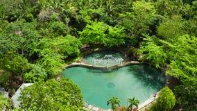 Simbassäng för Burasodavattenvatten Camiguin Filippinerna