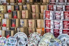 Simboli dei ricordi per i turisti e gli ospiti sulle vie di Budapest Fotografie Stock