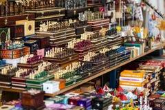 Simboli dei ricordi per i turisti e gli ospiti sulle vie di Budapest Fotografie Stock Libere da Diritti