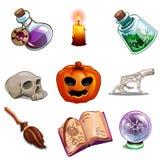 Simboli di Halloween - cranio, libro, zucca ed altra Fotografia Stock Libera da Diritti
