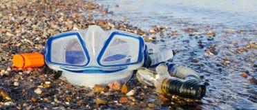 Simboli di immersione subacquea felice sulla spiaggia marina Fotografie Stock Libere da Diritti