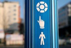 Simboli per l'incrocio pedestian Immagine Stock