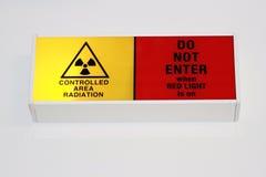 Simbolo d'avvertimento di radiazione Immagini Stock Libere da Diritti