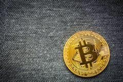 Simbolo del bitcoin dell'ultimo della moneta di oro di logo di Bitcoin Fotografie Stock Libere da Diritti