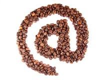 Simbolo del email con i chicchi di caffè Fotografia Stock