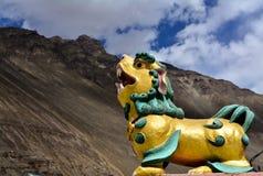 Simbolo del leone sul monastero di Tabo in Himachal Pradesh, India fotografia stock libera da diritti