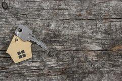 Simbolo della casa con la chiave d'argento Fotografie Stock