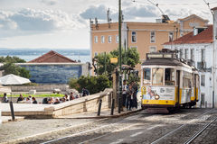 Simbolo della città del tram di Lisbona immagini stock