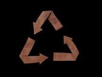 Simbolo di carta e isolato riciclato sul nero Fotografia Stock Libera da Diritti