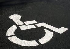 Simbolo di parcheggio andicappato Immagini Stock Libere da Diritti