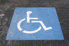 Simbolo di parcheggio di handicap Fotografie Stock
