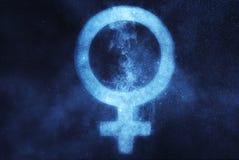 Simbolo di sesso femminile Fondo astratto del cielo notturno fotografia stock libera da diritti