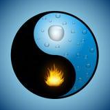 Simbolo di Yin Yang con acqua e fuoco Immagini Stock Libere da Diritti
