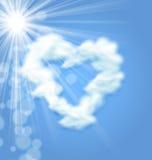 Simbolo lanuginoso di amore del cuore di forma della nuvola di Sun illustrazione di stock