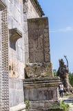 Simbolo religioso armeno, khachkar di pietra medievale unico alla chiesa della madre santa Blessed, nel monastero di Haghartsin v immagine stock libera da diritti