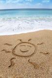 Simbolo sorridente dissipante del sole Immagine Stock Libera da Diritti