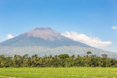 Simbung volcano in Java in Indonesia Royalty Free Stock Images