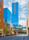 Simcoe-Straße in im Stadtzentrum gelegenem Toronto, Kanada Lizenzfreie Stockfotografie