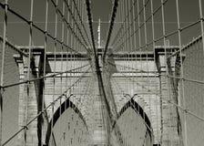 Simetría de los cables de la ayuda del puente de Brooklyn foto de archivo libre de regalías