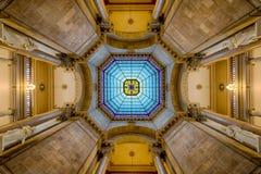 Simetría del interior de la bóveda del capitolio Fotos de archivo
