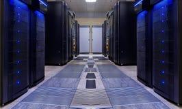 A simetria moderna da sala do servidor classifica a luz moderna dos super-computadores Fotos de Stock Royalty Free