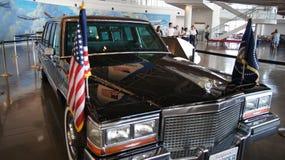 SIMI dolina, KALIFORNIA STANY ZJEDNOCZONE, OCT, - 9, 2014: Prezydencka kawalkada samochodów na pokazie przy Ronald Reagan bibliot fotografia stock