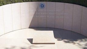 SIMI VALLEY KALIFORNIEN, FÖRENTA STATERNA - OKTOBER 9th, 2014: Ställe för ` s för president Ronald Reagan sista vila på royaltyfria bilder