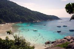 Similan wyspy grupy widoku pont z kryształem - jasna woda, Similan park narodowy, Phang-nga, Tajlandia Zdjęcia Stock