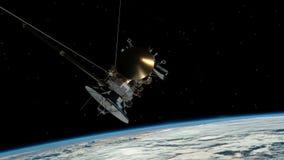 Similar por satélite con la tierra del planeta de Cassini que está en órbita Satélite de comunicaciones sobre el vuelo de la tier almacen de metraje de vídeo