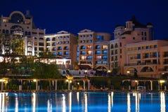 simma för fem stjärnor för hotellpöl privat Arkivbilder
