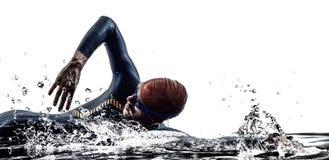 Simma för simmare för idrottsman nen för man för mantriathlonjärn Arkivbild